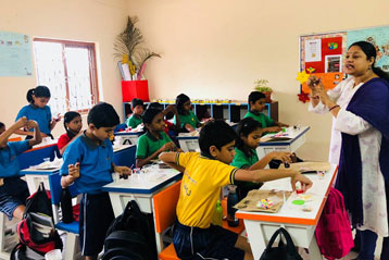 best school kompally Hyderabad EVS activity on Materials and Solution  day 2