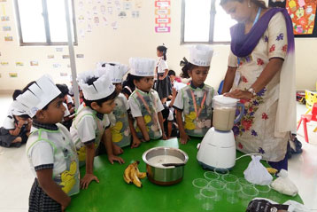 Learning cooking in school 5